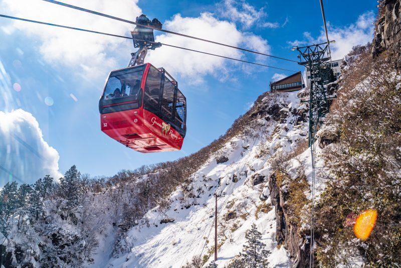 樹氷や氷瀑が凄い!冬の御在所ロープウェイで雪景色を満喫